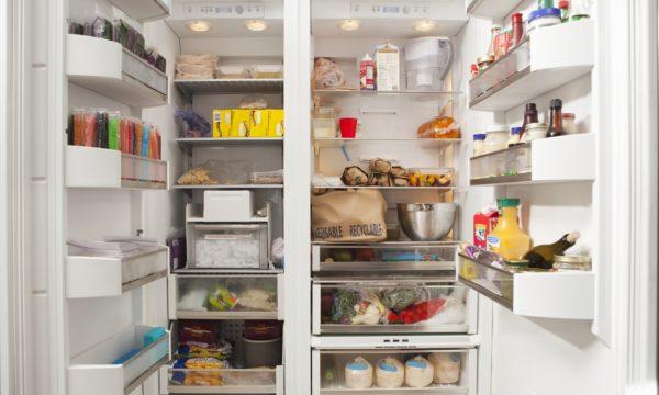 koeleskab fyldt med mad 600x360