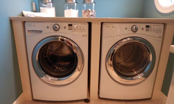 to vaskemaskiner ved siden af hinanden 700x420